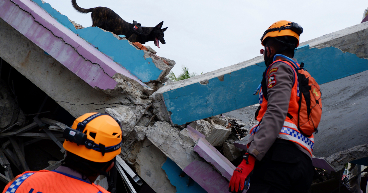 Sulawesi villagers call for help after Indonesia earthquake
